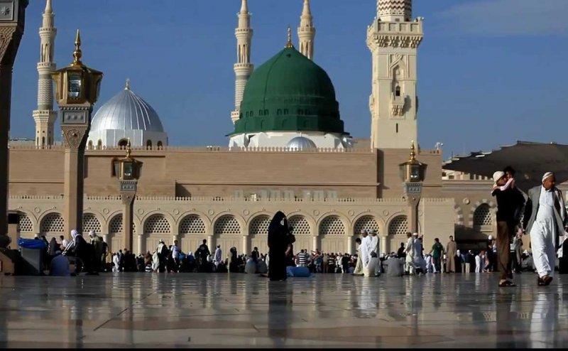 Qurban Mein Unki Bakhshish Kay